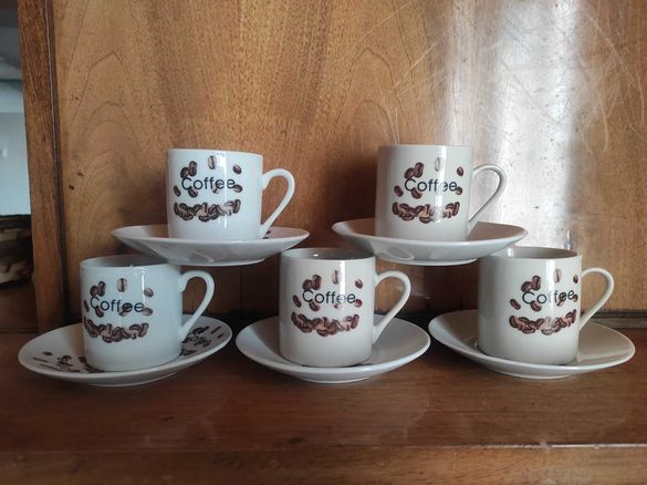 Комплект чаши за кафе