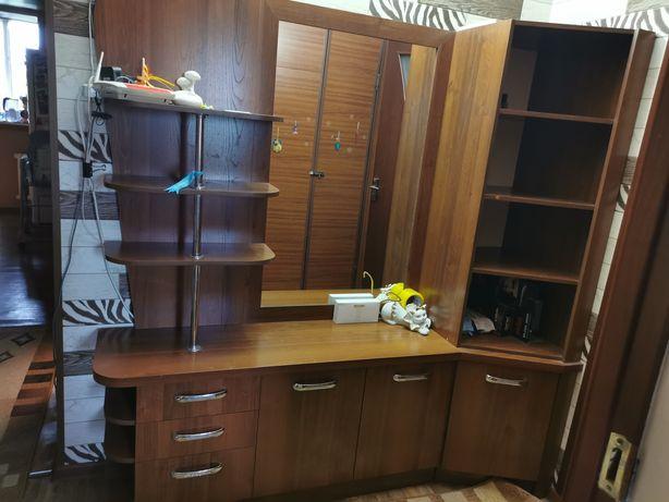 Продам шкаф-трюмо с зеркалом. Цена 30.000 тг