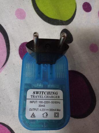 Încărcător pentru baterii de telefon
