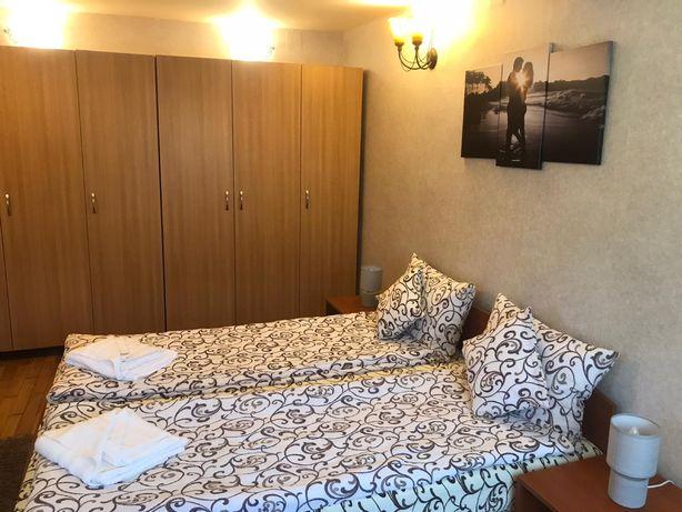 Inchiriez apartament ( ap) 2 camere (casa) centru / ultracentral / umf