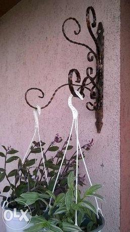 Suport flori din fier forjat , jardiniera