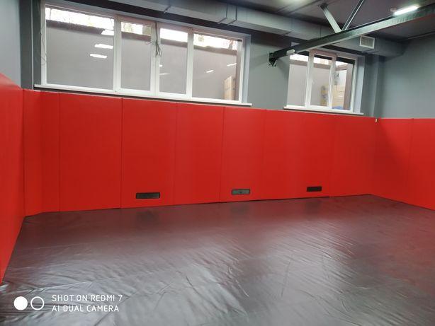 Борцовское покрытие, стеновые протекторы.