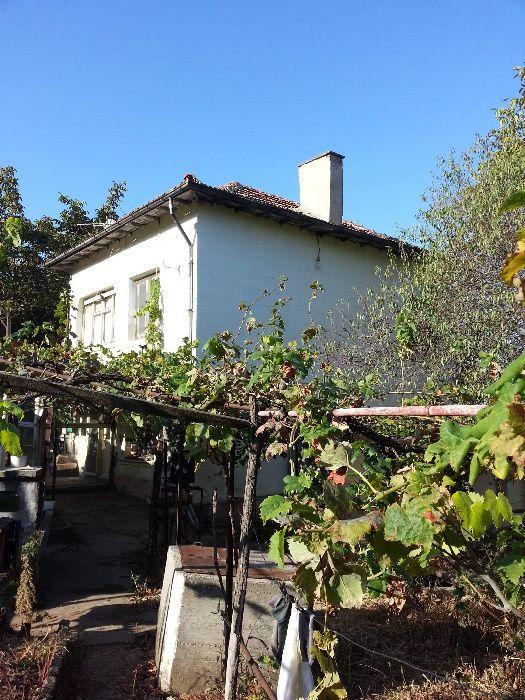 Къща в с. Остров ( обл. Враца)