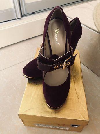 Туфли бордового цвета 38 размера