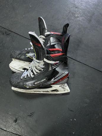 Хоккейные коньки профессиональные