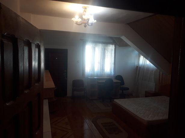 Apartament la vila