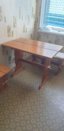 Продается стол и 4 стула