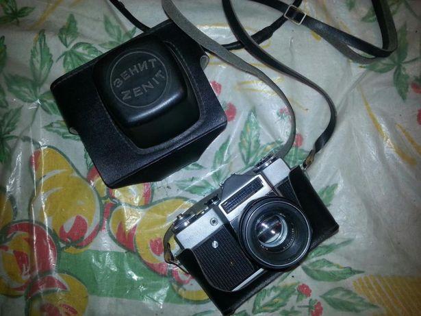 Продам фотоапарат зенит-е