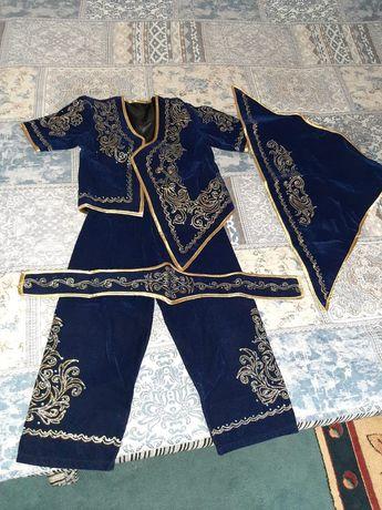 Продам костюм детский