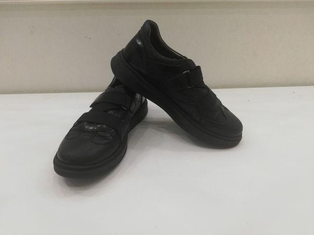 Натуральная кожаная обувь