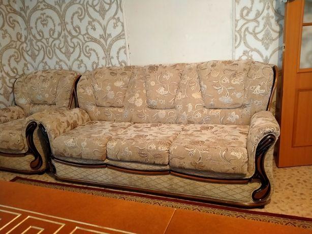 Уголок отдыха. 1диван и 2 кресла