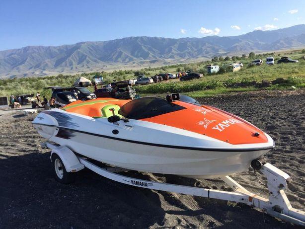 моторная лодка Yamaha катер