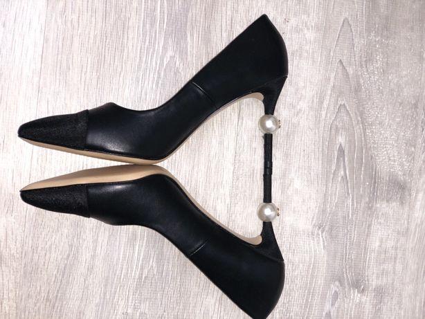 Продам абсолютно новые шикарные туфли