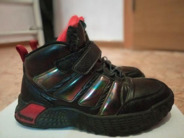 Продам кросовки утепленные