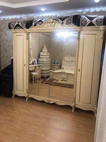 Срочно продам спальный гарнитур Лорена