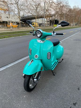 Vespa scooter electric