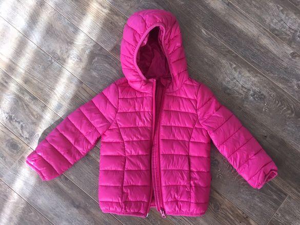 Олекотено якенце на Бенетон, размер 2 години