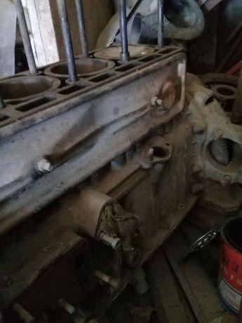 Двигатель УАЗ (Волга 2410 )головка от волги ГАЗ-21.
