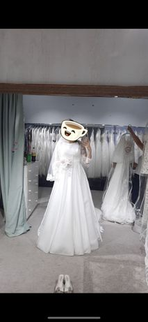 Свадебное платье и на узату