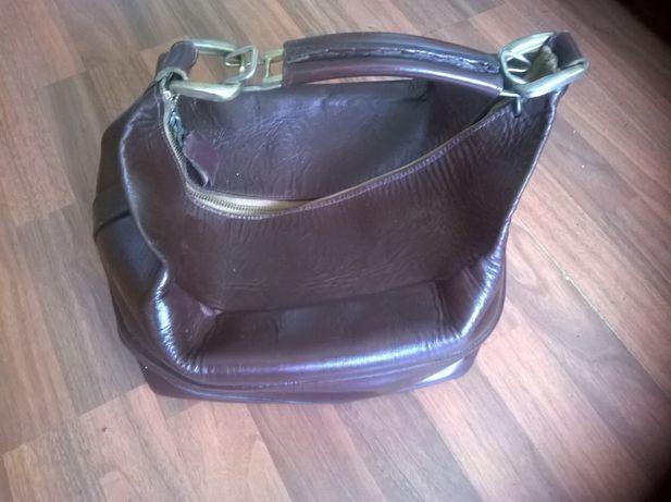 Vând geanta din piele (de colecție)