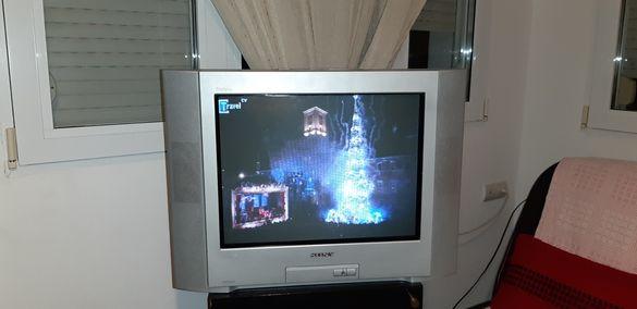 Телевизор Sony Trinitron 29 инча с дистанционно без забележка