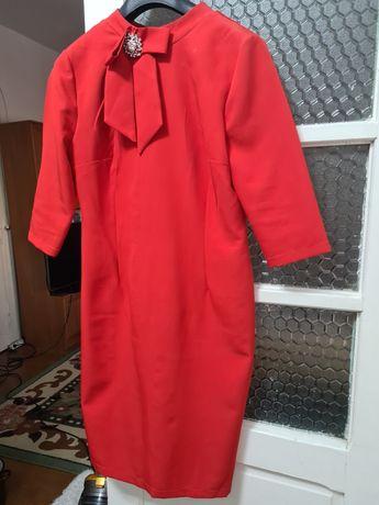 rochie dama rosie