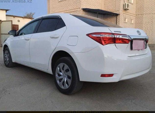 Продается почти новый Toyota Corolla.