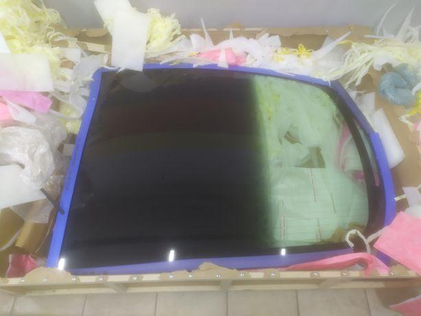 Заднее лобовое стекло Tesla model 3 Тесла Модель 3