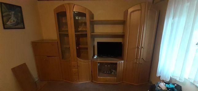Mobilă sufragerie în stare foarte bună!