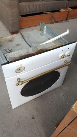 Продам срочно духовку в рабочем состоянии в ремонте не было цена за шт