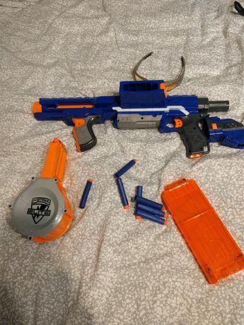 Jucarie Nerf pistol pusca Rampage cu 25 proiectile