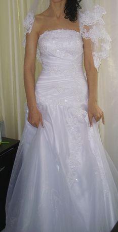 Булченска рокля с воал