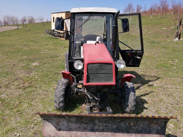 Продам трактор мтз320 , состояния идеальное с сенокасилкой и т. Д