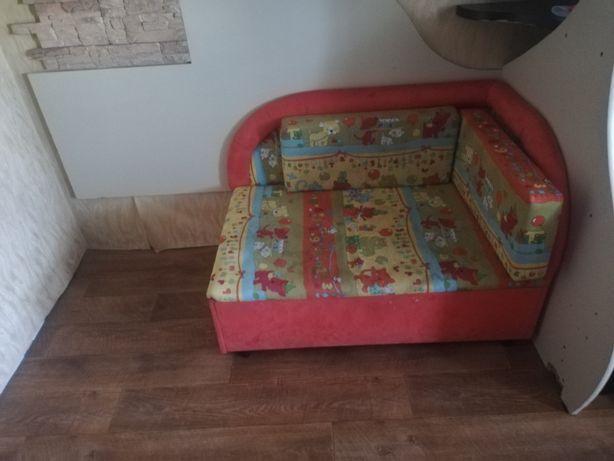 Продам диван подросткоаый