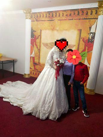 Продам или на прокат свадебный платье