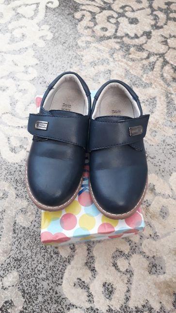 Туфли для мальчиков в отличном состояний