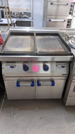 Фрайтоп , жарочная поверхность. Печь плита оборудования для кафе