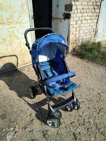 Продам детскую коляску синего цвета.