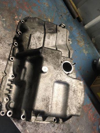 Vând baie ulei motor N47