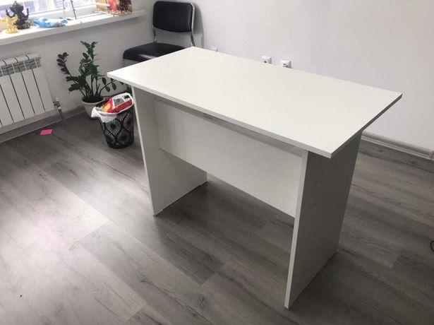 Продам стол(белый) 2 шт