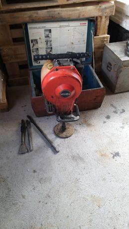 Demolator cu talpa pe benzina
