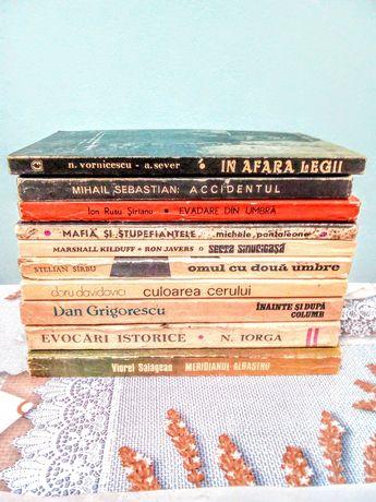 4* Scriitori români