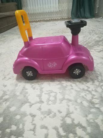 Машина детская в розовом цвете