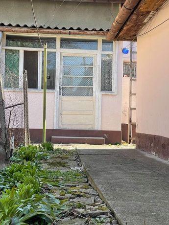 Casa veche - zona Cantemir 89000€ usor negociabil