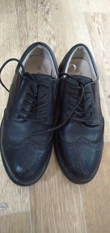 Продается ботинки