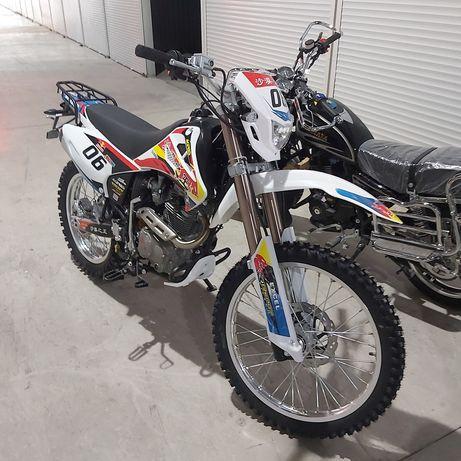 Мотоцикл эндуро 06