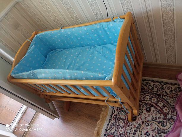 Детский кровать в хорошем состоянии