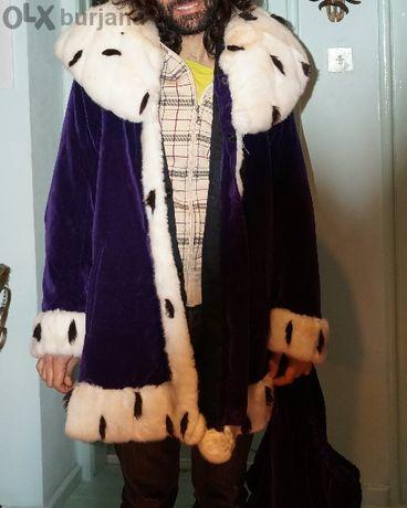 продавам театрален кралски костюм