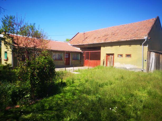 Vând casă + teren aferent in Hărău