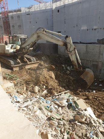 Evacuare moloz ,pământ, gunoi ,curățenie după constructii cu utilaje
